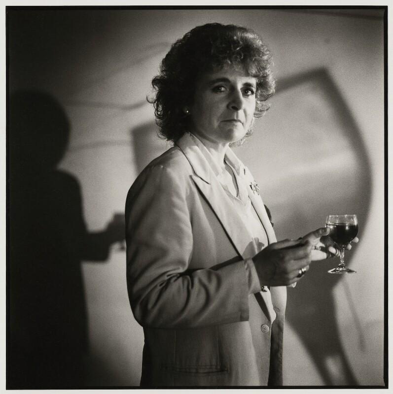 Maggi Hambling, by Liam Woon, 9 August 1988 - NPG x126761 - © Liam Woon / National Portrait Gallery, London