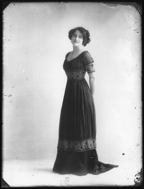 Marjorie Villis, by Bassano Ltd, 28 April 1911 - NPG x103919 - © National Portrait Gallery, London