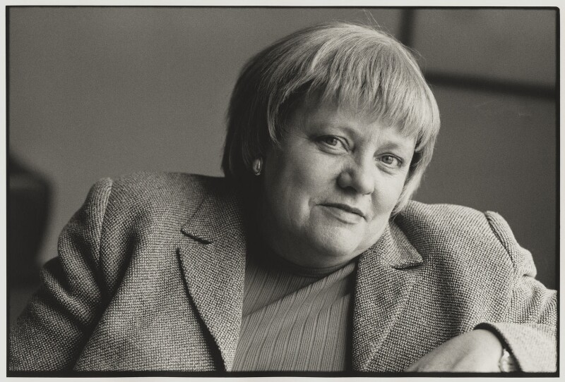 Mo Mowlam, by Victoria Carew Hunt, 1998 - NPG x88081 - © Victoria Carew Hunt / National Portrait Gallery, London