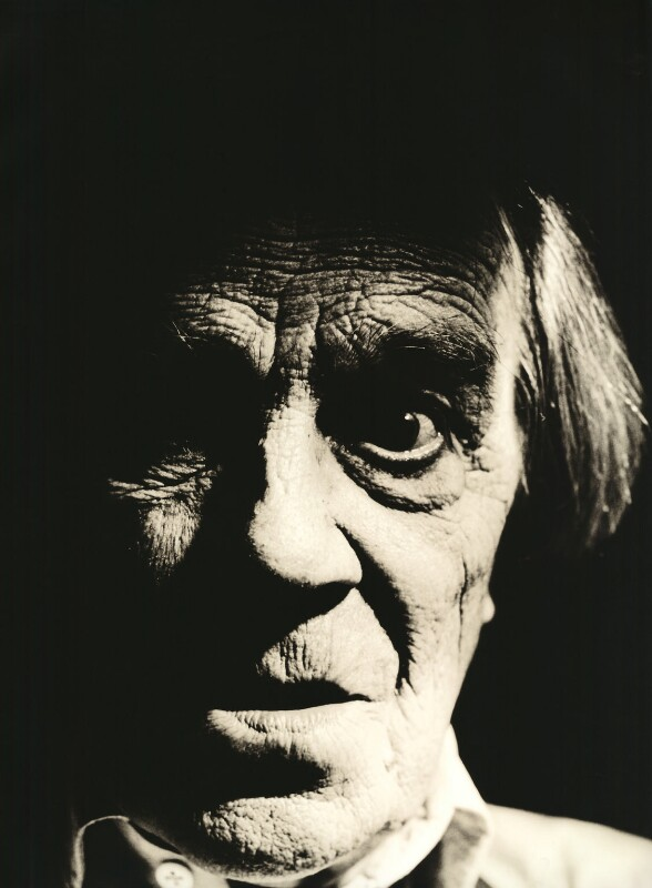 Max Wall, by Alastair Thain, 1986 - NPG x30431 - © Alastair Thain