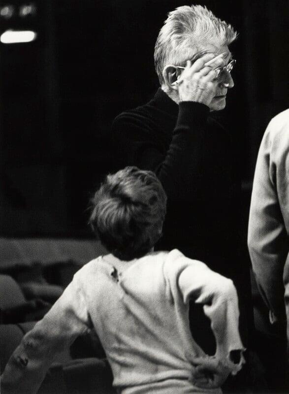Samuel Beckett and an unknown boy, by John Minihan, 1984 - NPG x29002 - © John Minihan / National Portrait Gallery, London