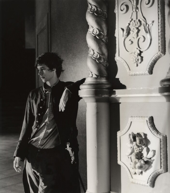 Ben Whishaw as Hamlet, by Derry Moore, 12th Earl of Drogheda, 2004 - NPG x126968 - © Derry Moore