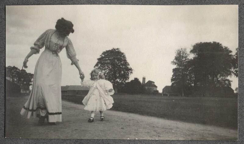 Lady Ottoline Morrell; Julian Vinogradoff (née Morrell), by Philip Edward Morrell, October 1908 - NPG Ax140081 - © National Portrait Gallery, London