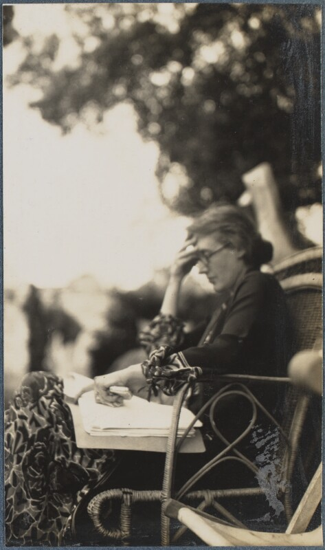 Virginia Woolf, by Lady Ottoline Morrell, June 1926 - NPG Ax142598 - © National Portrait Gallery, London