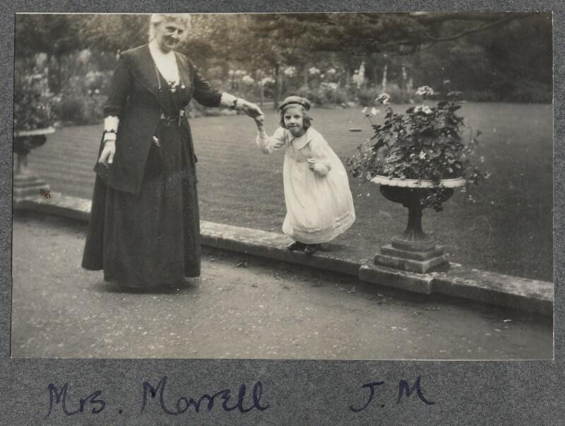 Harriette Morrell (née Wynter) with her granddaughter Julian Vinogradoff (née Morrell), by Lady Ottoline Morrell, 1912 - NPG Ax140308 - © National Portrait Gallery, London