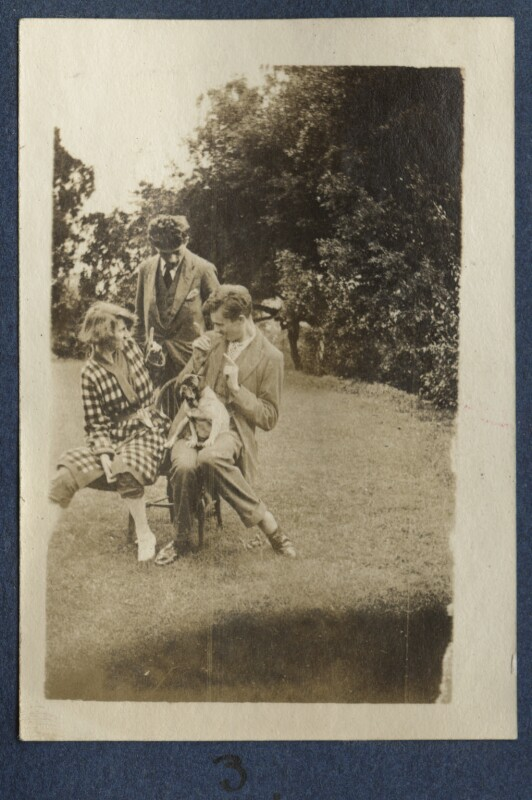 Dorothy Brett; Mark Gertler; Aldous Huxley with Lady Ottoline Morrell's pug Soie, by Lady Ottoline Morrell, 1917 - NPG Ax140687 - © National Portrait Gallery, London