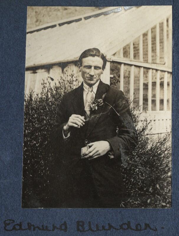 Edmund Blunden, by Lady Ottoline Morrell, 1920 - NPG Ax140771 - © National Portrait Gallery, London