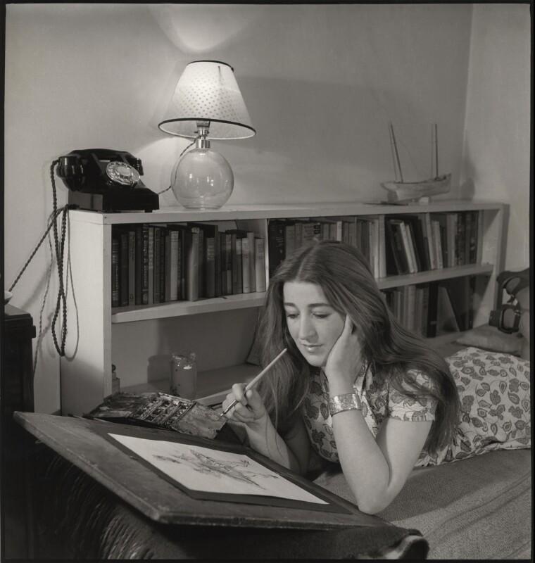 Audrée Craig, by John Gay, March 1947 - NPG x127307 - © National Portrait Gallery, London