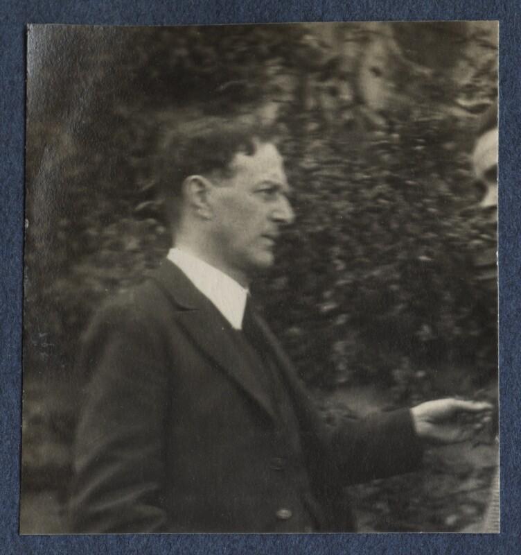 Walter de la Mare, by Lady Ottoline Morrell, June 1924 - NPG Ax141609 - © National Portrait Gallery, London