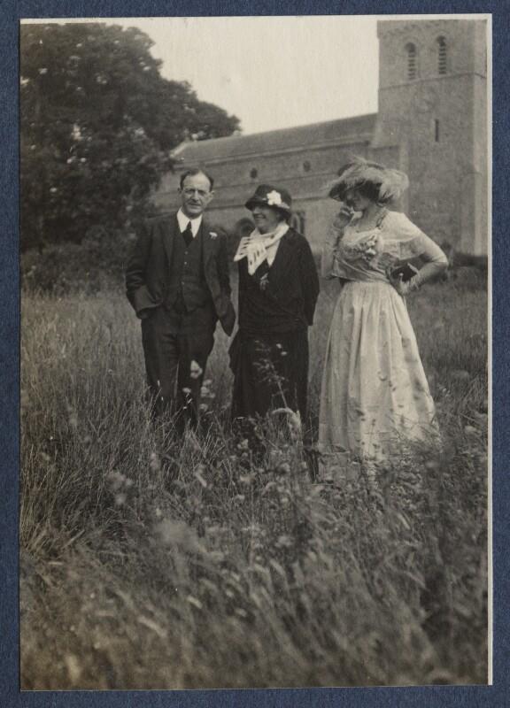 Walter de la Mare; Elfrida de la Mare (née Ingpen); Lady Ottoline Morrell, possibly by Philip Edward Morrell, June 1924 - NPG Ax141612 - © National Portrait Gallery, London