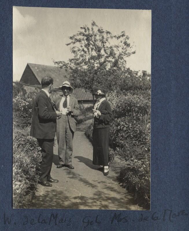 Walter de la Mare; Gilbert Spencer; Elfrida de la Mare (née Ingpen), by Lady Ottoline Morrell, June 1924 - NPG Ax141614 - © National Portrait Gallery, London
