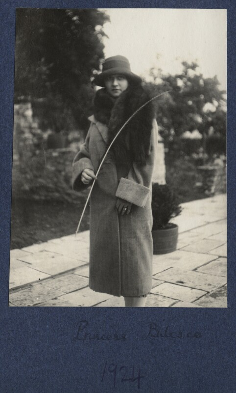 Elizabeth (née Asquith), Princess Bibesco, by Lady Ottoline Morrell, 1924 - NPG Ax141805 - © National Portrait Gallery, London