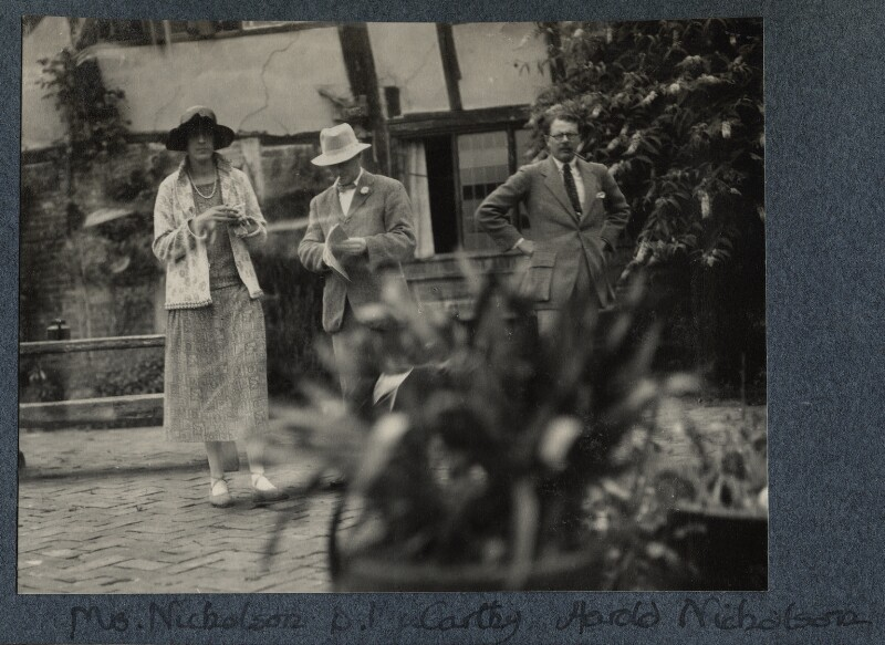 Vita Sackville-West; Sir Desmond MacCarthy; Harold Nicolson, by Lady Ottoline Morrell, 1925 - NPG Ax142211 - © National Portrait Gallery, London
