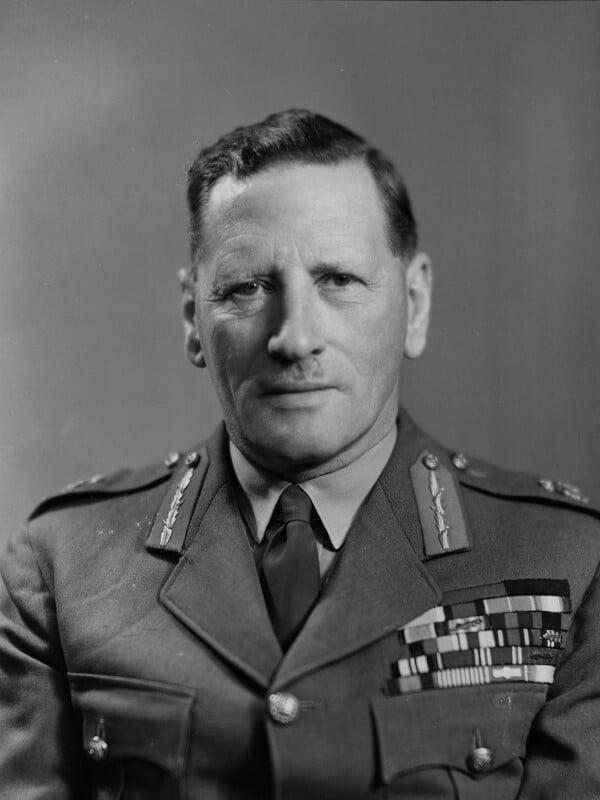 Sir Claude Auchinleck, by Elliott & Fry, 2 May 1947 - NPG x21172 - © National Portrait Gallery, London