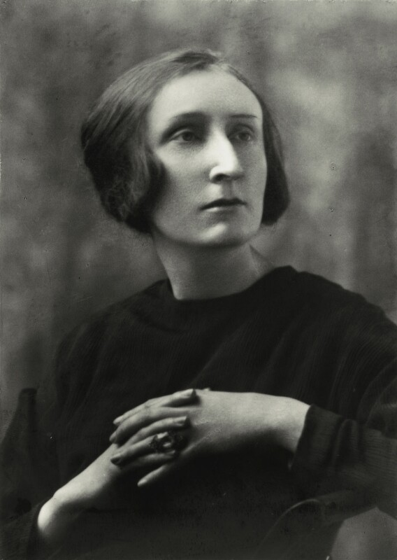 Edith Sitwell, by Elliott & Fry, 1929 - NPG x82160 - © National Portrait Gallery, London