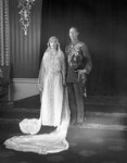 The wedding of King George VI and Queen Elizabeth, the Queen Mother, by Bassano Ltd, 26 April 1923 - NPG  - © National Portrait Gallery, London