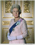 Queen Elizabeth II, by John Swannell, November 2001 - NPG  - © John Swannell / Camera Press