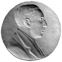 Ralph Hodgson, by Theodore Spicer-Simson, 1922 - NPG 4704 - Photograph © National Portrait Gallery, London
