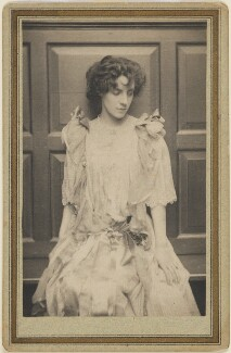 Mrs Patrick Campbell, by Frederick Hollyer, 1893 - NPG P229 - © National Portrait Gallery, London