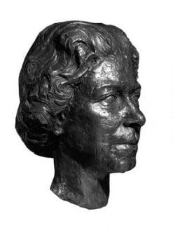 Queen Elizabeth II, by Franta Belsky - NPG 5472