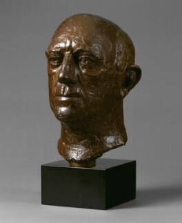 Sir Alec Guinness, by Elisabeth Frink - NPG 5721
