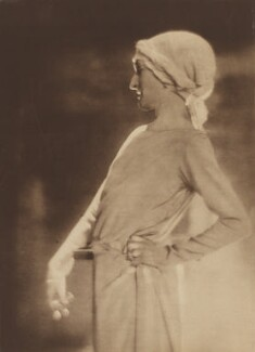 Margaret Emma Alice ('Margot') Asquith (née Tennant), Countess of Oxford and Asquith, by Baron Adolph de Meyer, circa 1911 - NPG P165 - © National Portrait Gallery, London