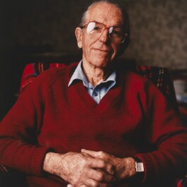 Frederick Sanger, by Liam Woon, 1990 - NPG P448 - © Liam Woon / National Portrait Gallery, London