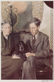 Virginia Woolf; Leonard Sidney Woolf, by Gisèle Freund - NPG P439