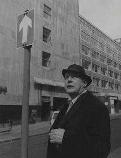 Sir John Betjeman, by Lewis Morley, 1970 - NPG P512(3) - © Lewis Morley Archive / National Portrait Gallery, London