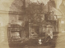 Tombs in Greyfriars, by David Octavius Hill, and  Robert Adamson - NPG P6(225)