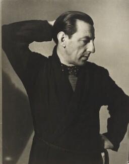 Paul Nash, by Helen Muspratt, 1932 - NPG P569 - © National Portrait Gallery, London