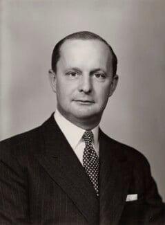 William Waldorf Astor, 3rd Viscount Astor, by Elliott & Fry - NPG x86682