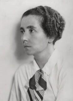 Dorothy Anne Elizabeth Garrod, by Elliott & Fry - NPG x89351