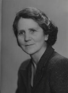 Mary D. Glynne, by Elliott & Fry - NPG x89419