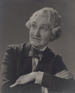 Gwen Lally (Gwendolin Rosalie Lally Tollandal Speck), by Elliott & Fry - NPG x90177