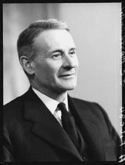 Sir John Cecil Masterman, by Elliott & Fry - NPG x100859