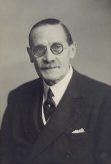 George Herbert Hyde Villiers, 6th Earl of Clarendon, by Walter Stoneman - NPG x162951