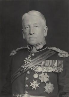 Sir Sydney D'Aguilar Crookshank, by Walter Stoneman - NPG x162954