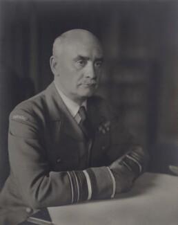 Harold Edwards, by Walter Stoneman - NPG x164298