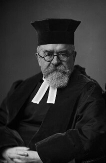 Joseph Herman Hertz, by Walter Stoneman - NPG x164911