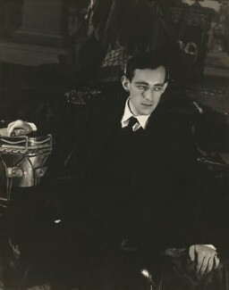 Sir Alec Guinness as Hamlet, by Angus McBean - NPG x127700