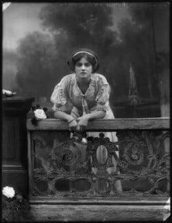 Dame Gladys Cooper, by Bassano Ltd, 1910 - NPG x127672 - © National Portrait Gallery, London