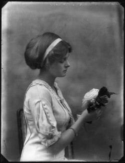 Dame Gladys Cooper, by Bassano Ltd - NPG x127673