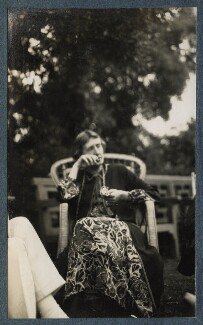 Virginia Woolf, by Lady Ottoline Morrell - NPG Ax142587