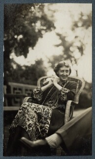 Virginia Woolf, by Lady Ottoline Morrell, June 1926 - NPG  - © National Portrait Gallery, London