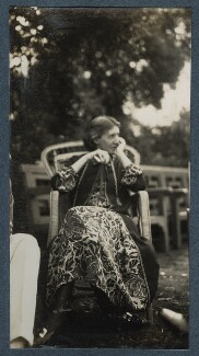 Virginia Woolf, by Lady Ottoline Morrell - NPG Ax142596
