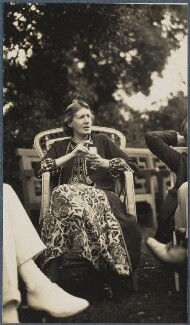 Virginia Woolf, by Lady Ottoline Morrell - NPG Ax142597