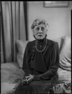 Violet Vanbrugh (Violet Augusta Mary Barnes), by Bassano Ltd - NPG x124423