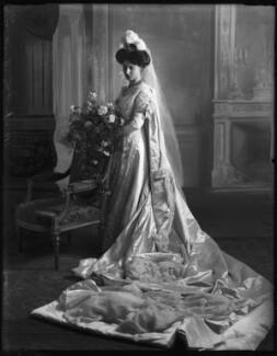 Mrs H.S. Kaye, by Bassano Ltd - NPG x127801