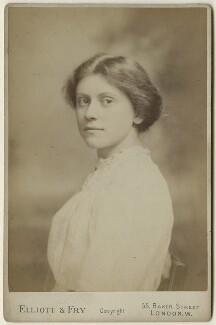 Beatrice Forbes-Robertson, by Elliott & Fry - NPG x127946